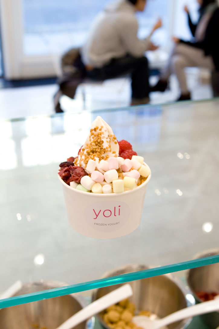 FIRST FROZEN YOGURT SHOP IN BERLIN