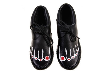 Funny Toes Shoes by Comme Des Gar?�ons