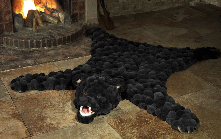 Bommelcarpet bear
